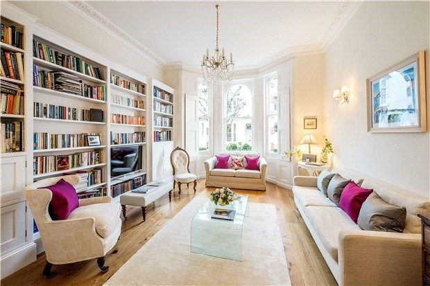 <strong>4 Bedrooms, 1,946 Sq Ft.</strong><br/>A charming and well presented four bedroom maisonette, occupying approximately 1,946 sq ft, on the raised ground and lower ground floor of this well maintained building.