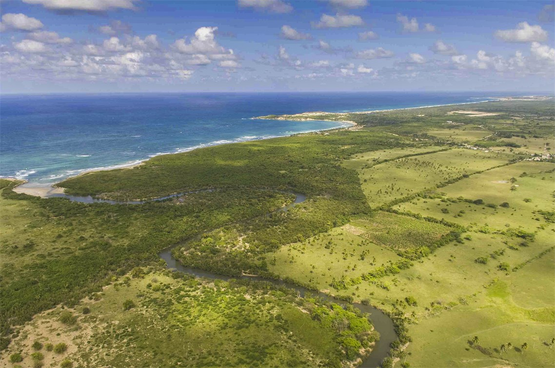 <b>387 Acres</b><br/>With 387 Acres of property along the ocean and beach, this lot in Punta Cana is perfect to build your dream villa.