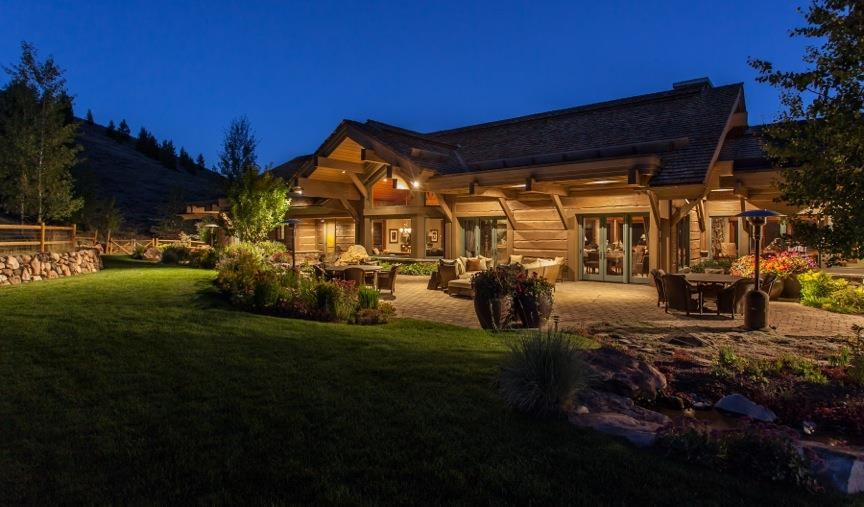 <b>5 Bedrooms, 17,500 sq. ft.</b><br/>Located in the hills, this elevated property boasts 360 degree mountain views, and is onstructed with an unrivaled level of luxury.