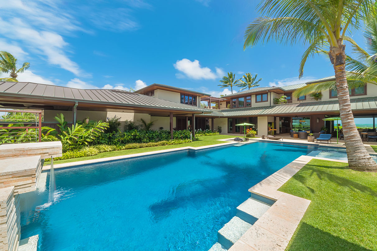 <b>7 Bedrooms, 10,593 sq. ft.</b><br/>Beachfront tropical luxury on Kailua Beach with resort-size pool, spa, waterfall, gym, media room, elevator, fabulous covered lanai and luxurious master suite with his &amp; her bathrooms.