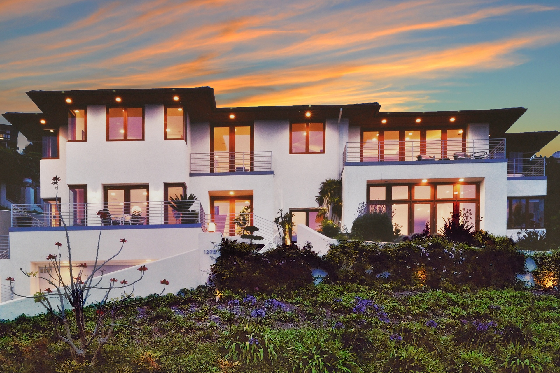 At one with its setting, this light-filled home in Southern California pays homage to Frank Lloyd Wright's distinctive Prairie Style.