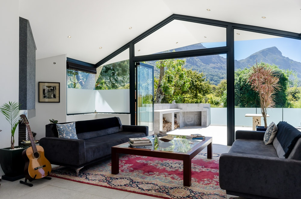 This Cape Town retreat is surrounded by tranquil gardens in the foothills of Table Mountain.