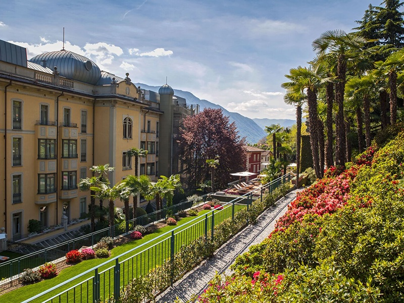 The stunning Grand Hotel Tremezzo on the edge of Lake Como is framed by beautiful and diverse gardens. A boat is the perfect way to approach this beauty.