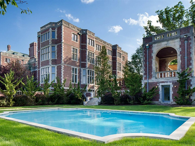 In addition to an outdoor pool, Darlington features a luxury spa with lap pool, steam room, and sauna. Photograph: Special Properties Real Estate Services