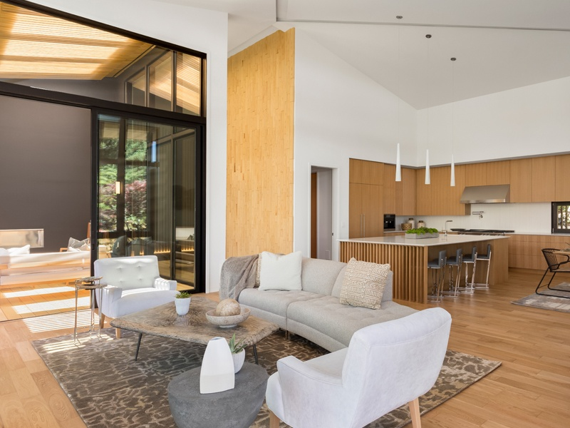White oak floors and stone complement the other neutral-toned materials used throughout Suteki House.