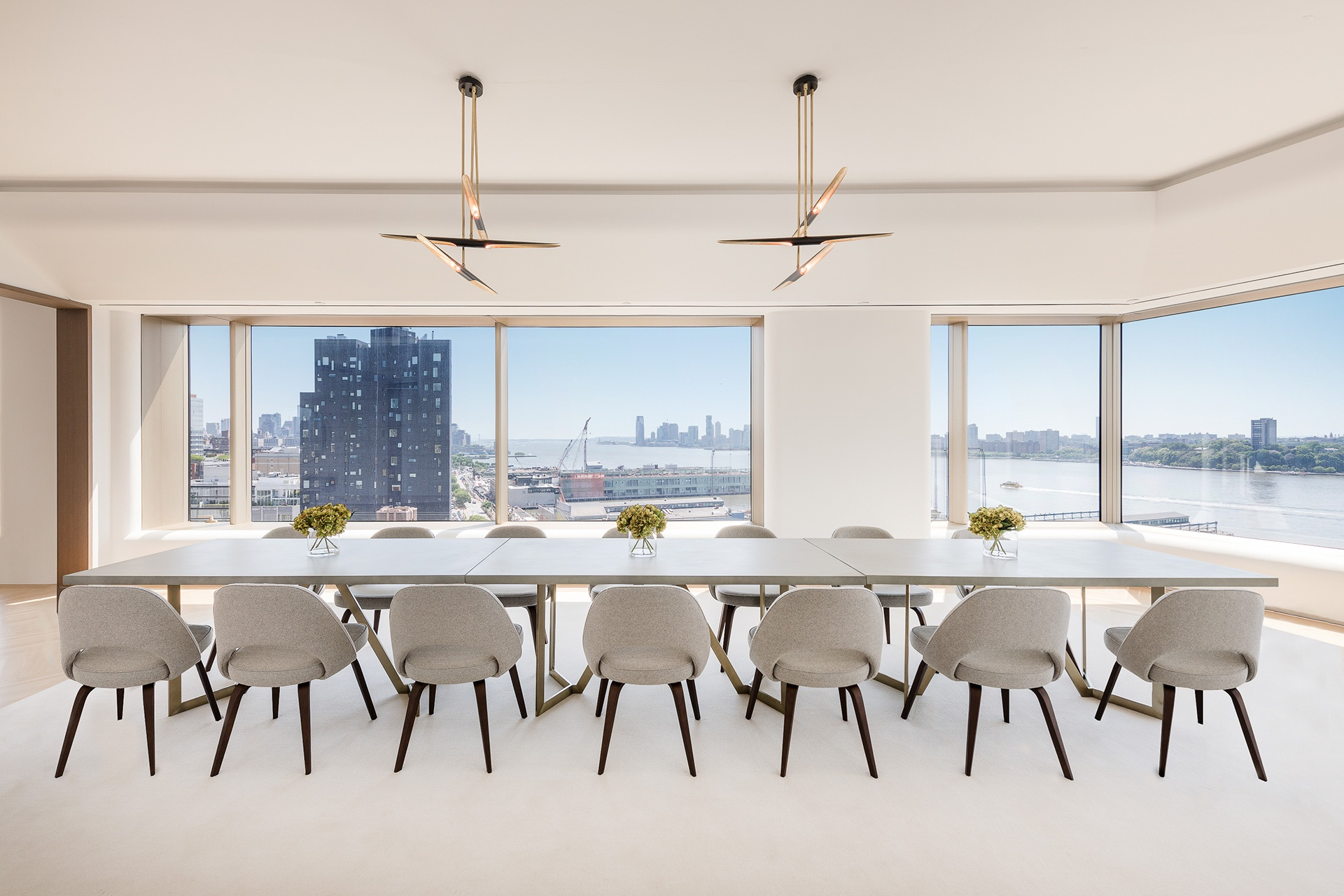 This ultra-luxurious residence overlooks the Hudson River and downtown Manhattan from the 15th floor of the Foster + Partners-designed 551 West 21st Street in West Chelsea—the contemporary art capital of the world.
