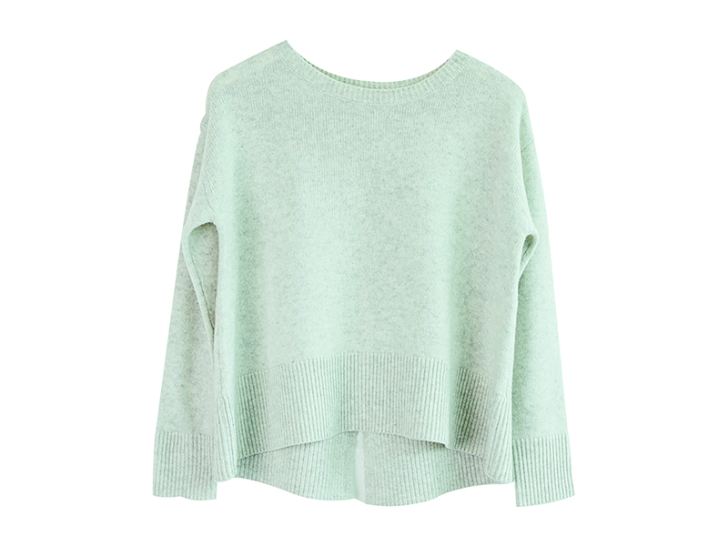 The split hem of this Ille de Cocos pure-cashmere marl sweater provides a loose, casual fit.
