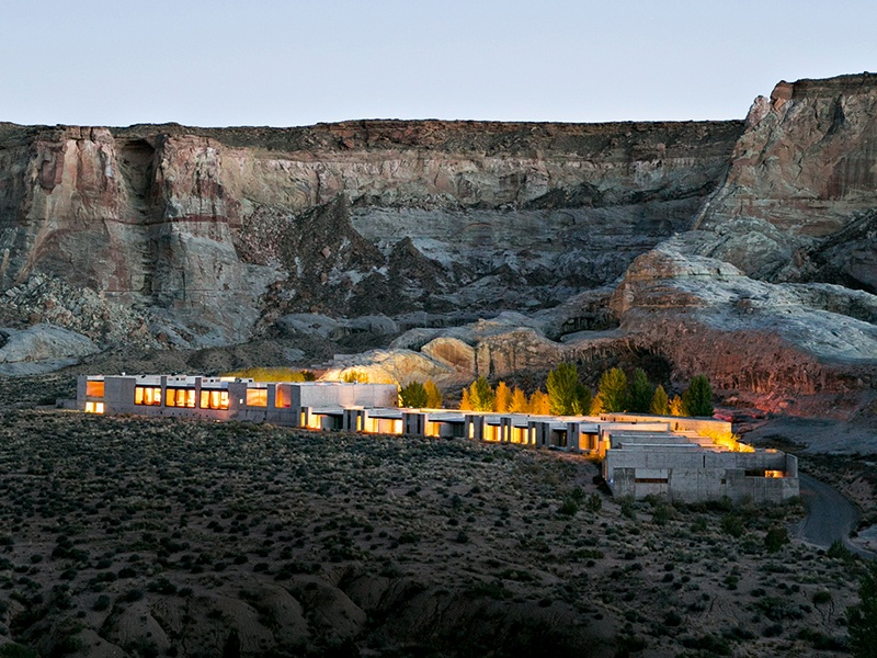 The suites at Amangiri, with their clean lines and natural materials, complement the qualities of the surrounding Utah desert, offering breathtaking views of the mesa and dunes.