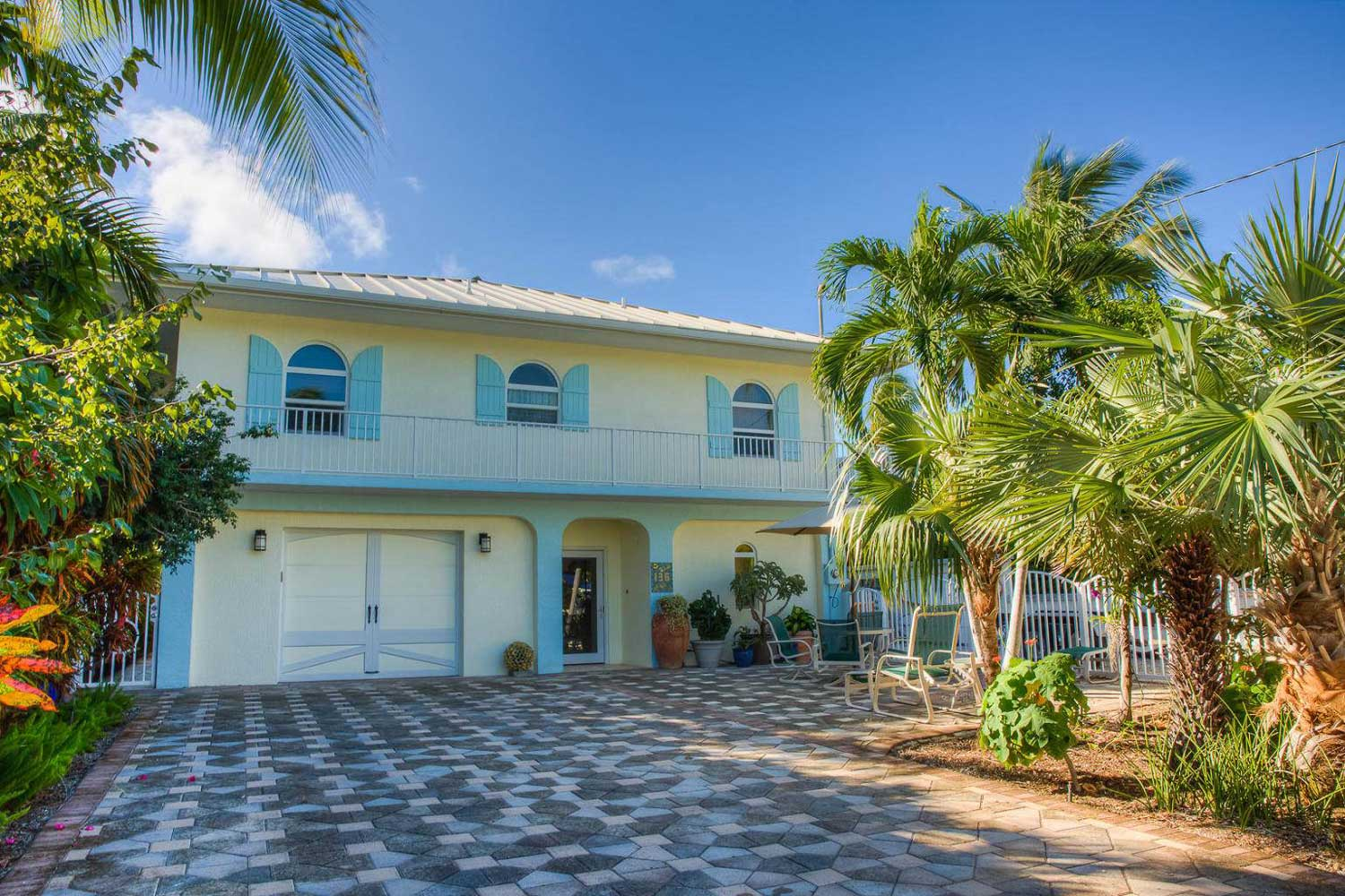 <b>Plantation Key, Florida</b><br/><i>4 Bedrooms, 2,380 sq. ft.</i><br/>Oceanside home in the Florida Keys