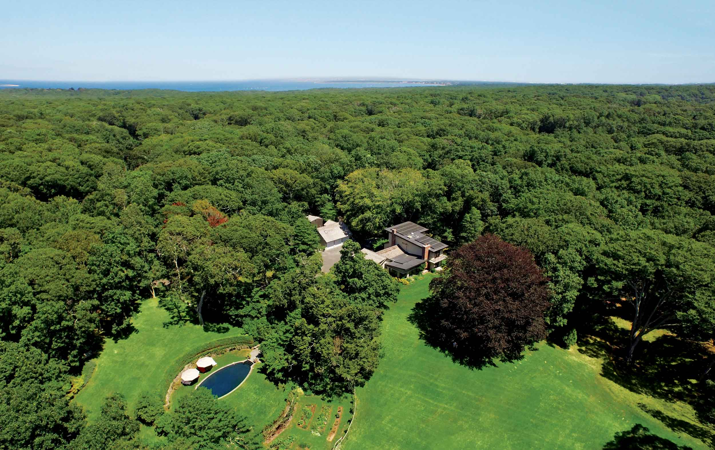 This Hamptons estate in Amagansett, New York, is a hallmark of energy efficiency with a 10-kilowatt solar-panel system.