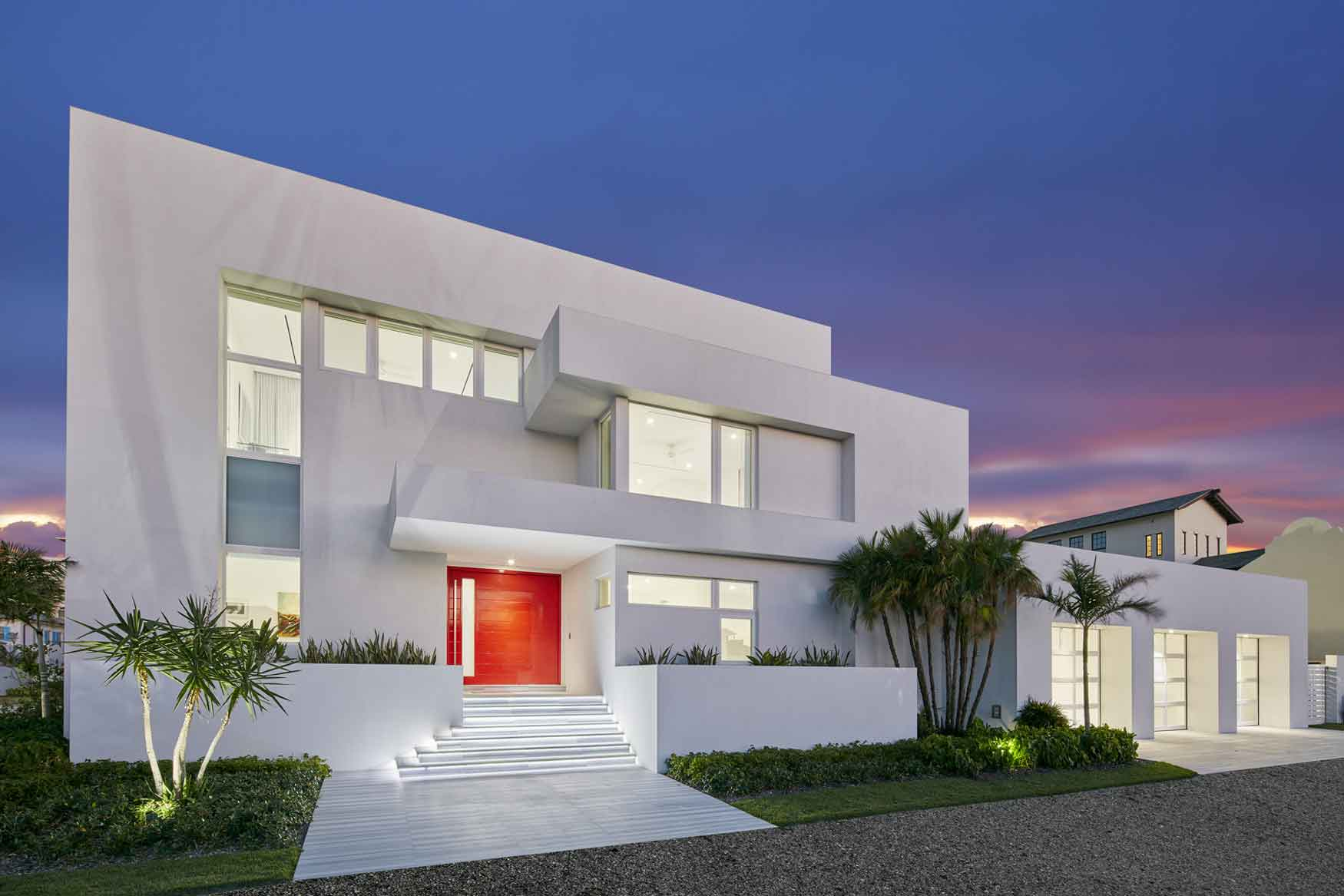 This contemporary villa is situated in Albany, Bahamas, one of the most desirable residential resorts in the world.