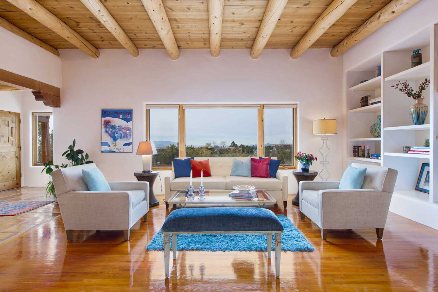 <b>Santa Fe, New Mexico</b><br/><i>4 Bedrooms, 4,725 sq. ft.</i><br/>Pueblo-style estate with pool and city views