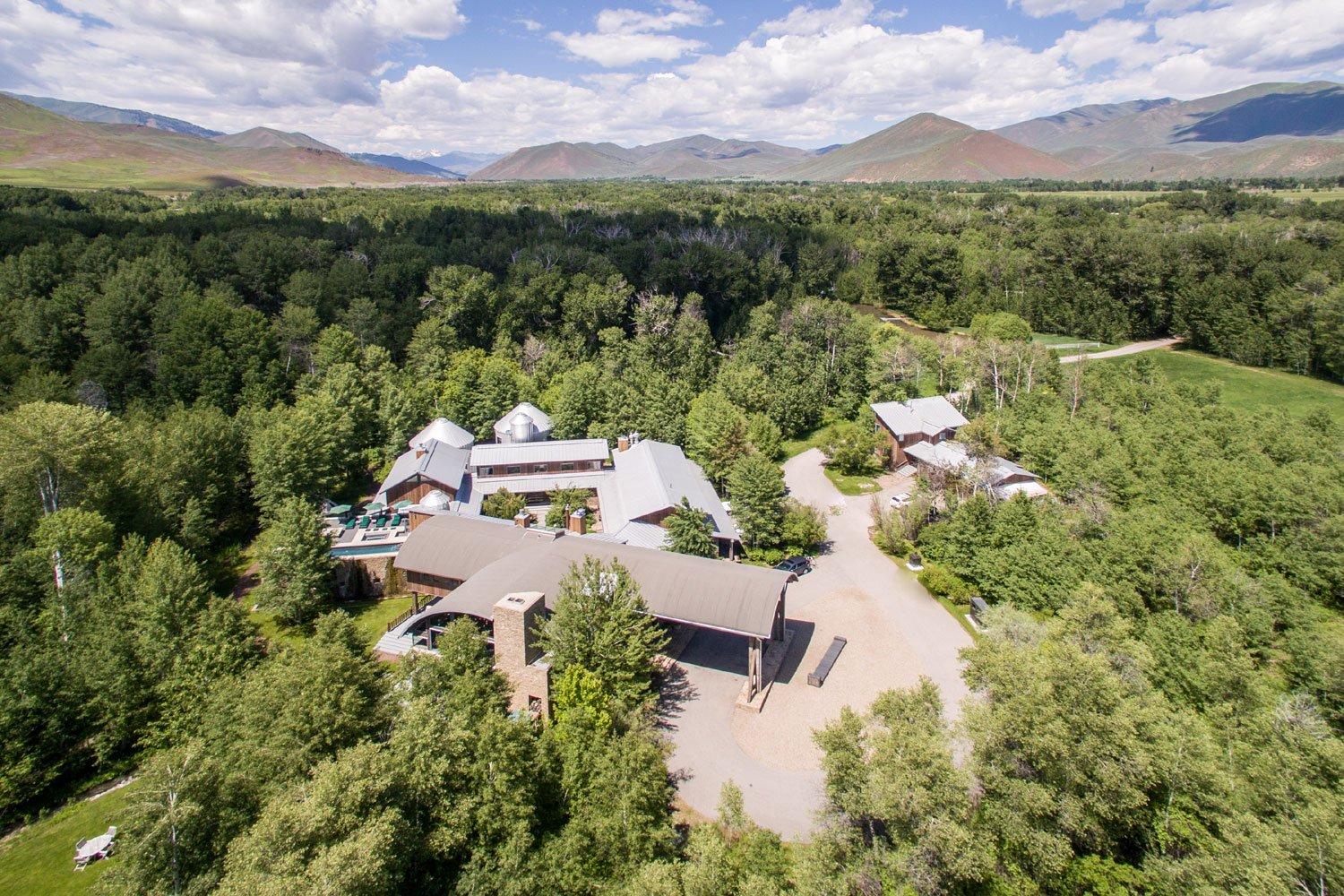 Bloom Ranch captures the majesty of its Idaho mountain setting and celebrates the agricultural heritage of the area.