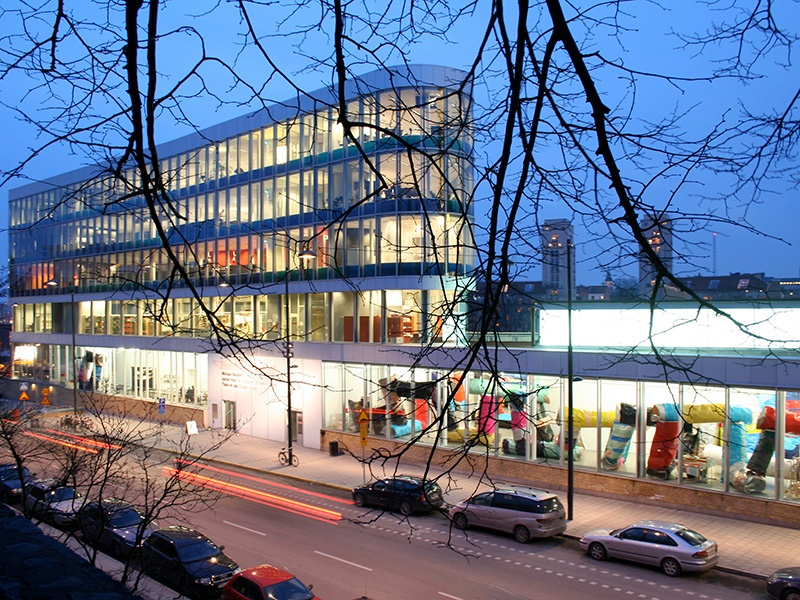 Bonniers Konsthall, in the center of Stockholm, exhibits contemporary art from all over the world.