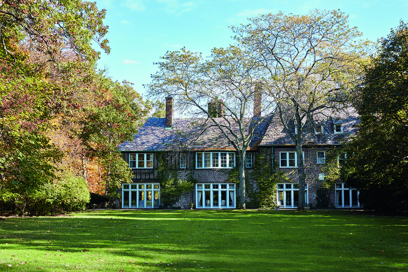 As well as hosting debutante balls, alma mater dinners, and musical chamber groups, Wyldwoode has served as a wedding venue for four of the Carrolls' five children—one of whom got married on the estate's beautiful lawn.