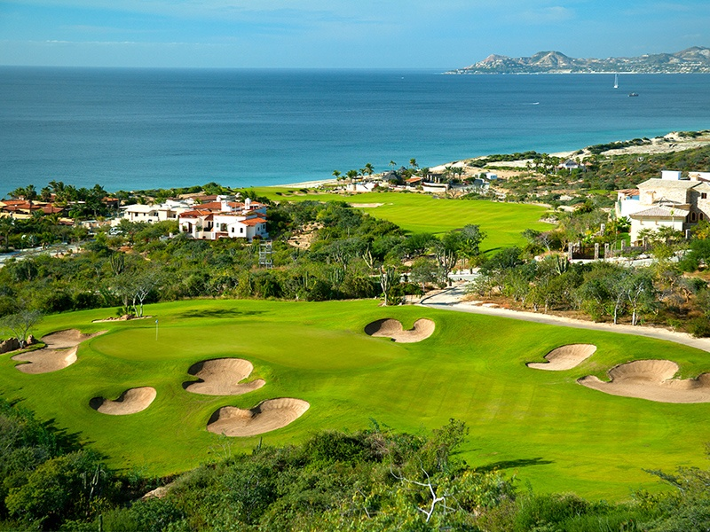 With nine holes designed by Jack Nicklaus and nine holes designed by Greg Norman, as well as stunning ocean views, Puerto Los Cabos Golf Club is a golfer's dream.