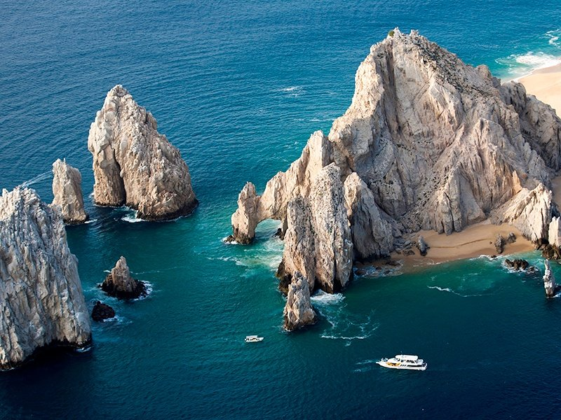 Also known as Land's End, the dramatic El Arco landmark is easily accessible by boat taxi, and has its own beaches.
