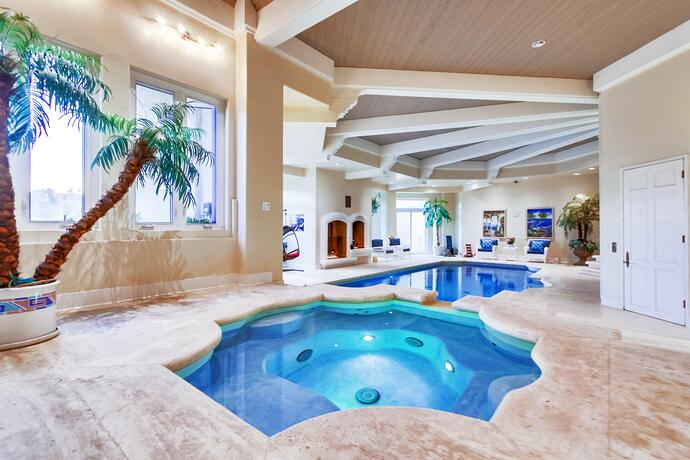 The World\'s Most Luxurious Indoor Swimming Pools