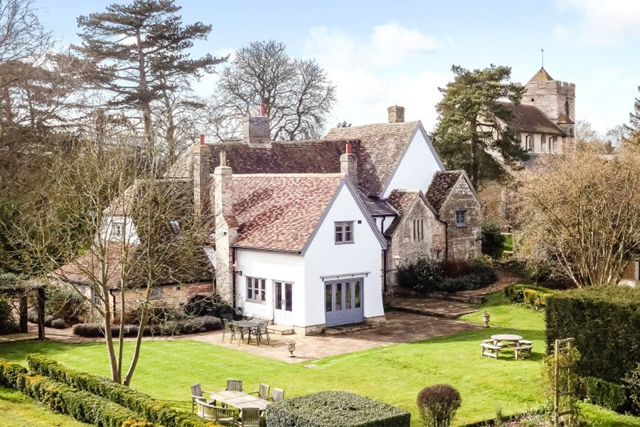 One of the oldest homes in Cambridgeshire, this 13th-century Tudor is located approximately eight miles from the center of the university town.