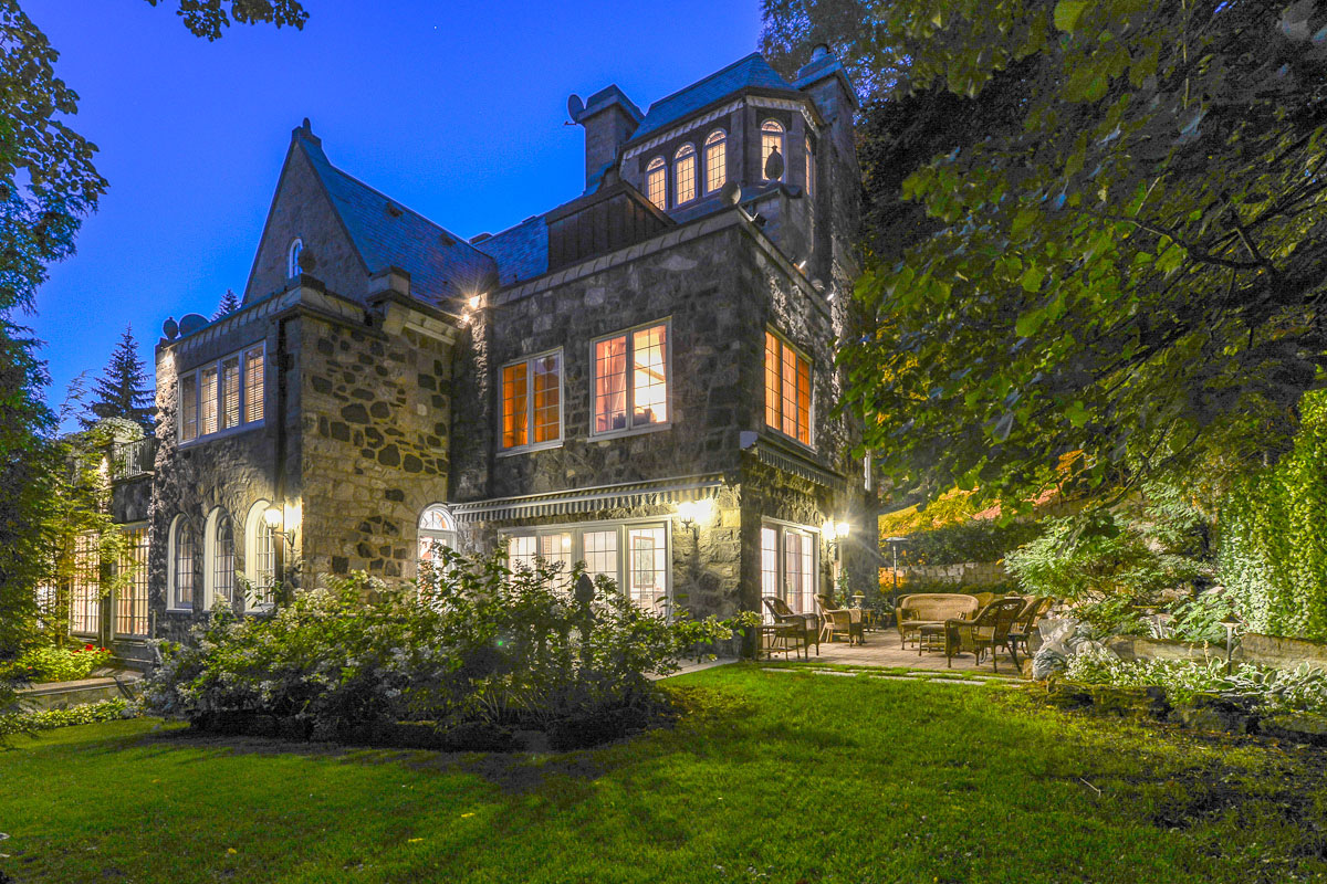 Taking the form of a French château, this opulent seven-bedroom, six-bathroom home in the affluent Montreal suburb of Westmount is graced with a host of lavish features for a taste of 1920s panache layered with all the modern luxuries.
