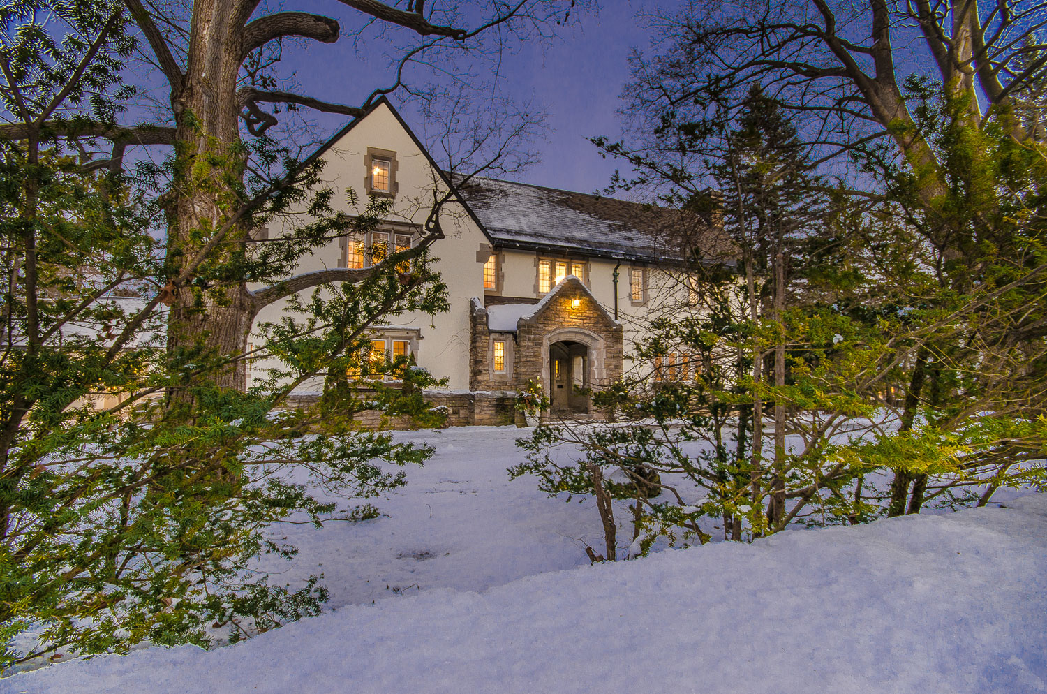 This former ambassador's residence is situated in one of Ottawa's most prestigious addresses in the Village of Rockcliffe Park, located a 15-minute drive from the famous Rideau Canal Skateway.