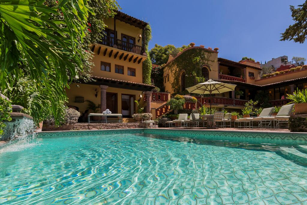 Casa Chorro combines elegant Spanish Colonial architecture with 21st-century amenities, including advanced solar power.