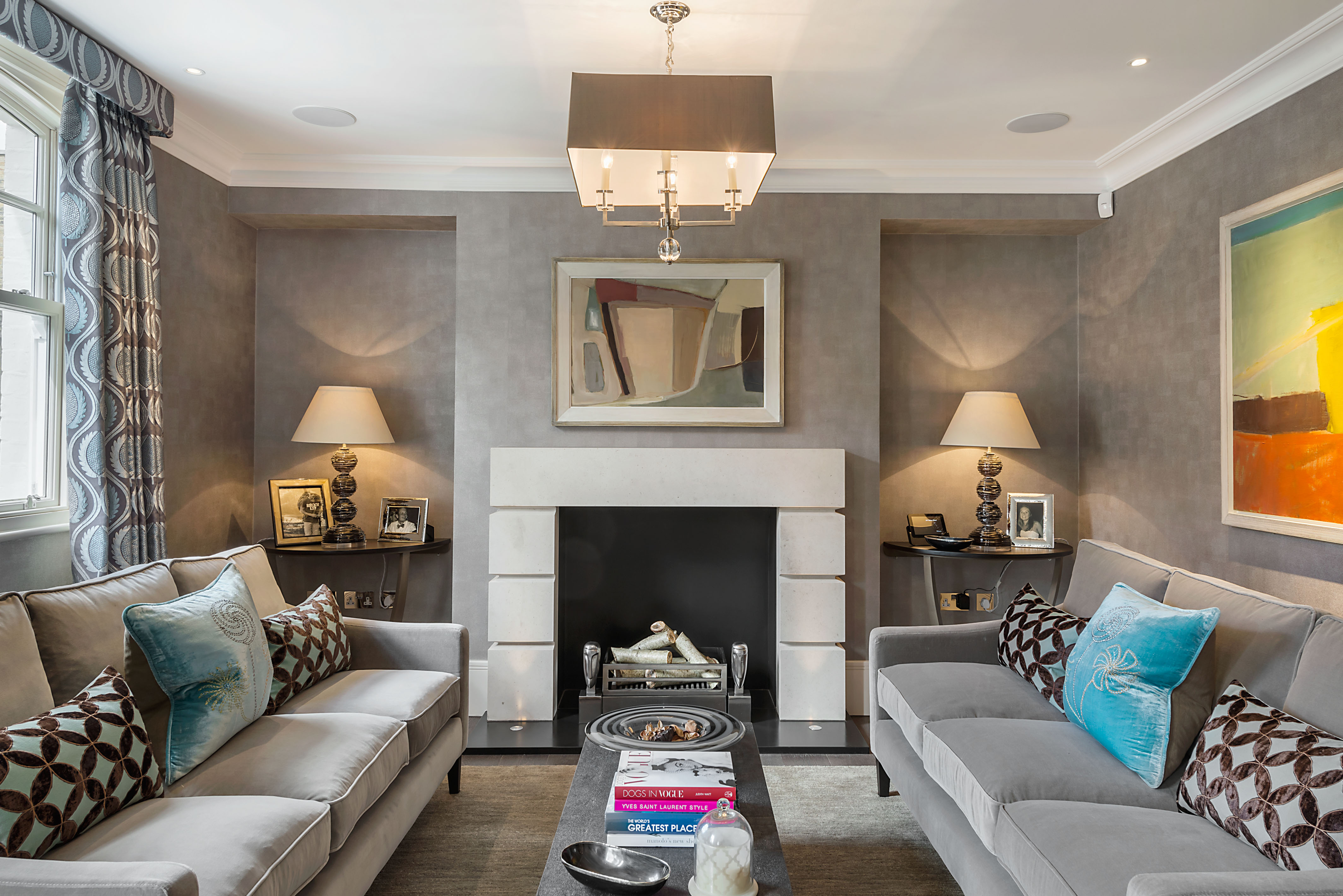 This exceptional Clabon Mews house has been completely redesigned and substantially rebuilt to exacting modern standards.