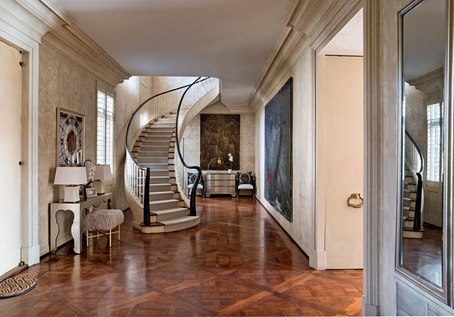 Development in Holmby Hills began in the early 20th century, its prime location evident from the start, with all compounds at least an acre in size, and has since become one of the most exclusive enclaves in the United States.