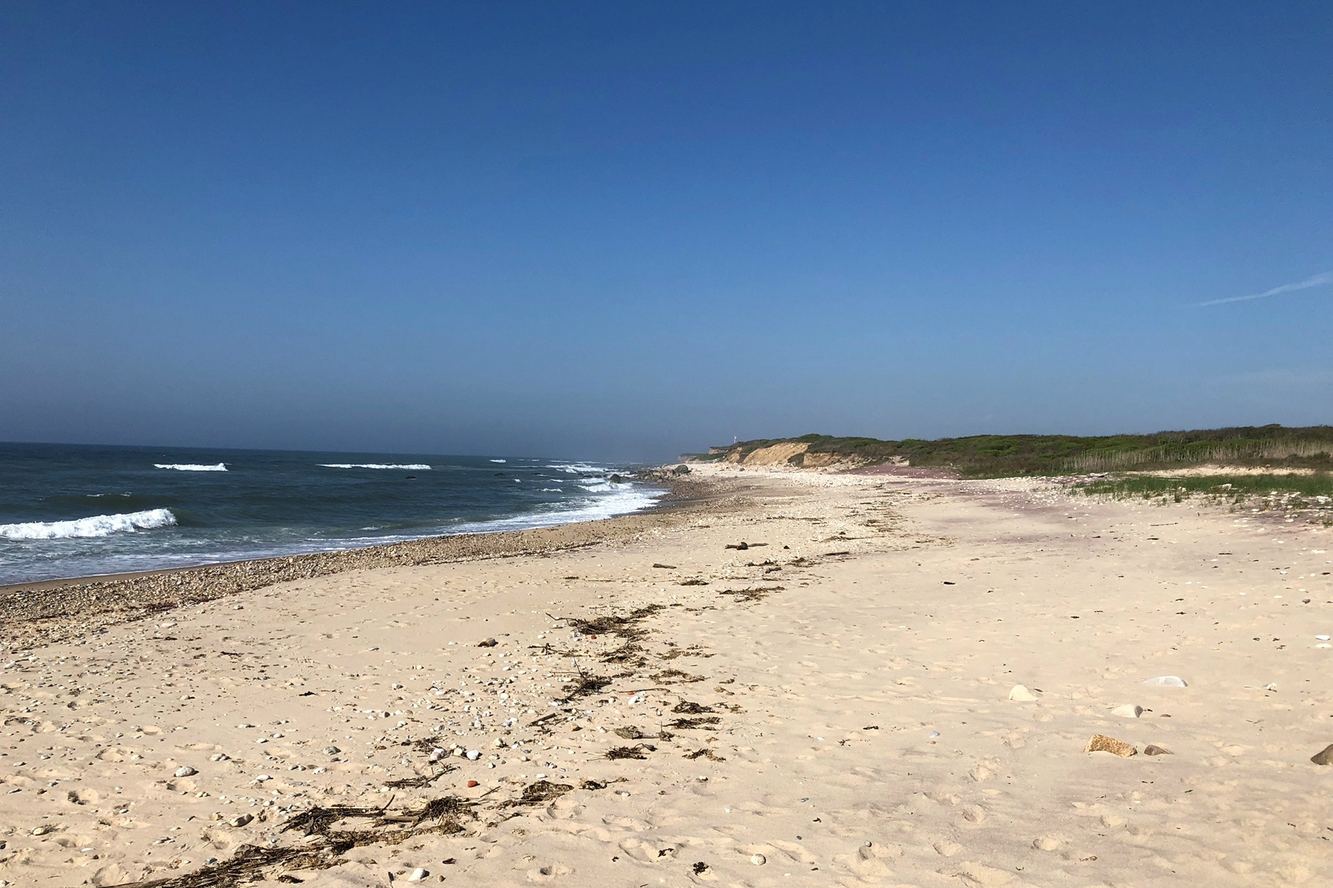 The property has a wide, sandy beach which offers the best surf casting and, with little public access for miles, offers tranquility and privacy. Montauk is home to many celebrities and famous residents, including avid surfer, American singer-songwriter Jimmy Buffett.