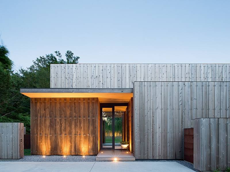 Acoustics were key at Elizabeth II, in Amangansett, New York, where insulated concrete walls lead to low sound transmission. Courtesy of Bates Masi + Architects