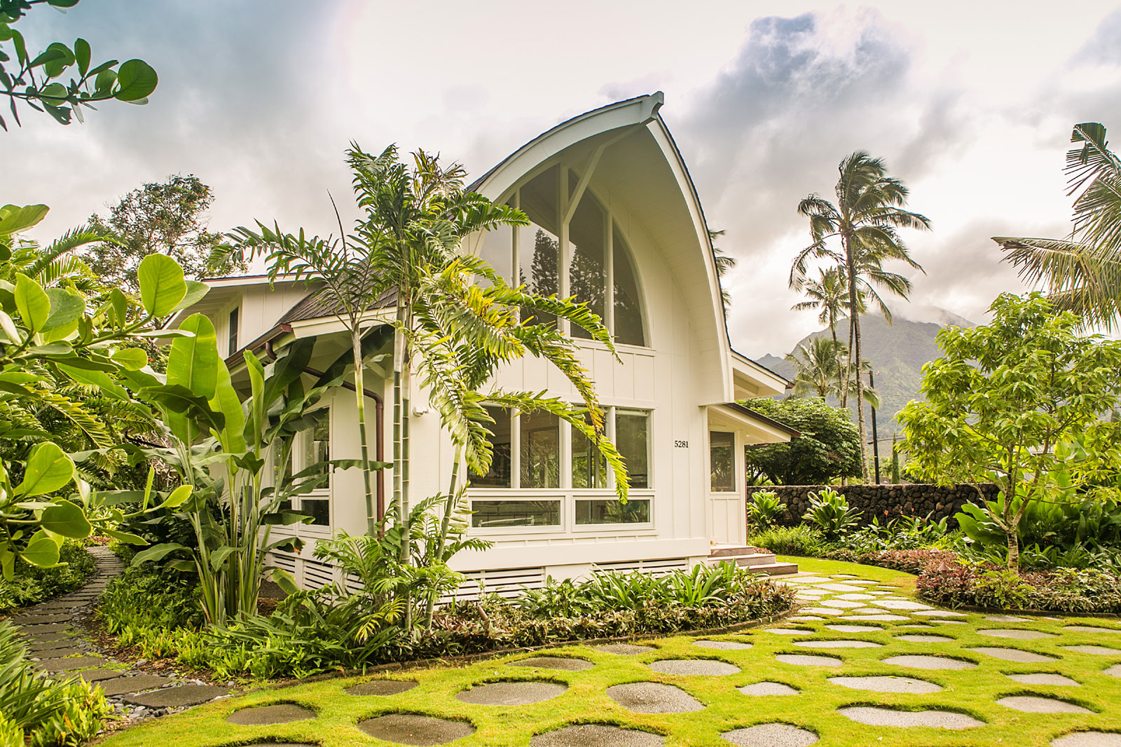 Located in the peaceful town of Hanalei on the island of Kauai, The Bounty House is a landmark home with an unusual boat-like construction.