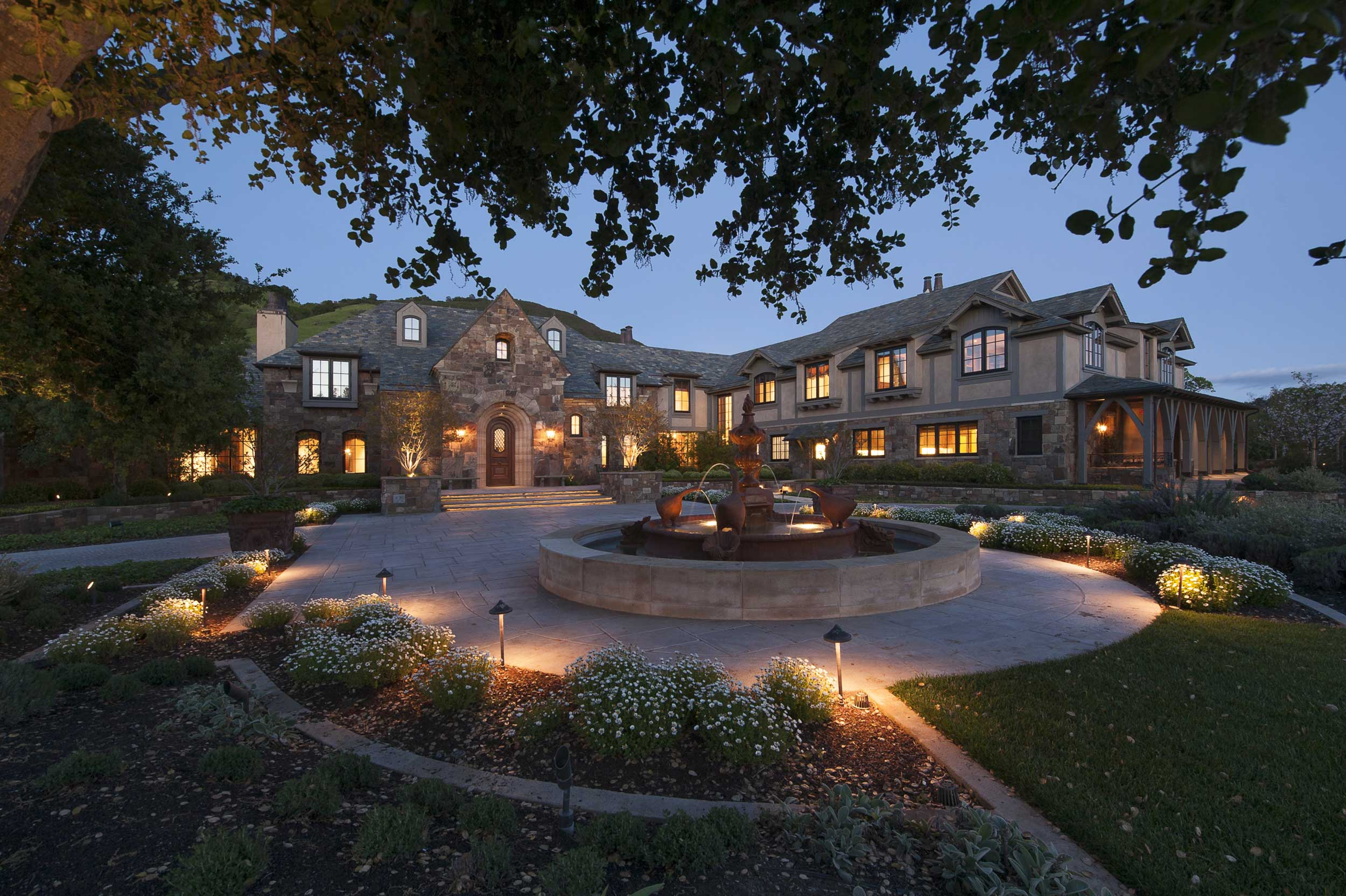 The San Francisco Bay area's finest estate, Fieldhaven is a harmonious blend of Old World grandeur and modern sophistication, set within an incomparable natural landscape.