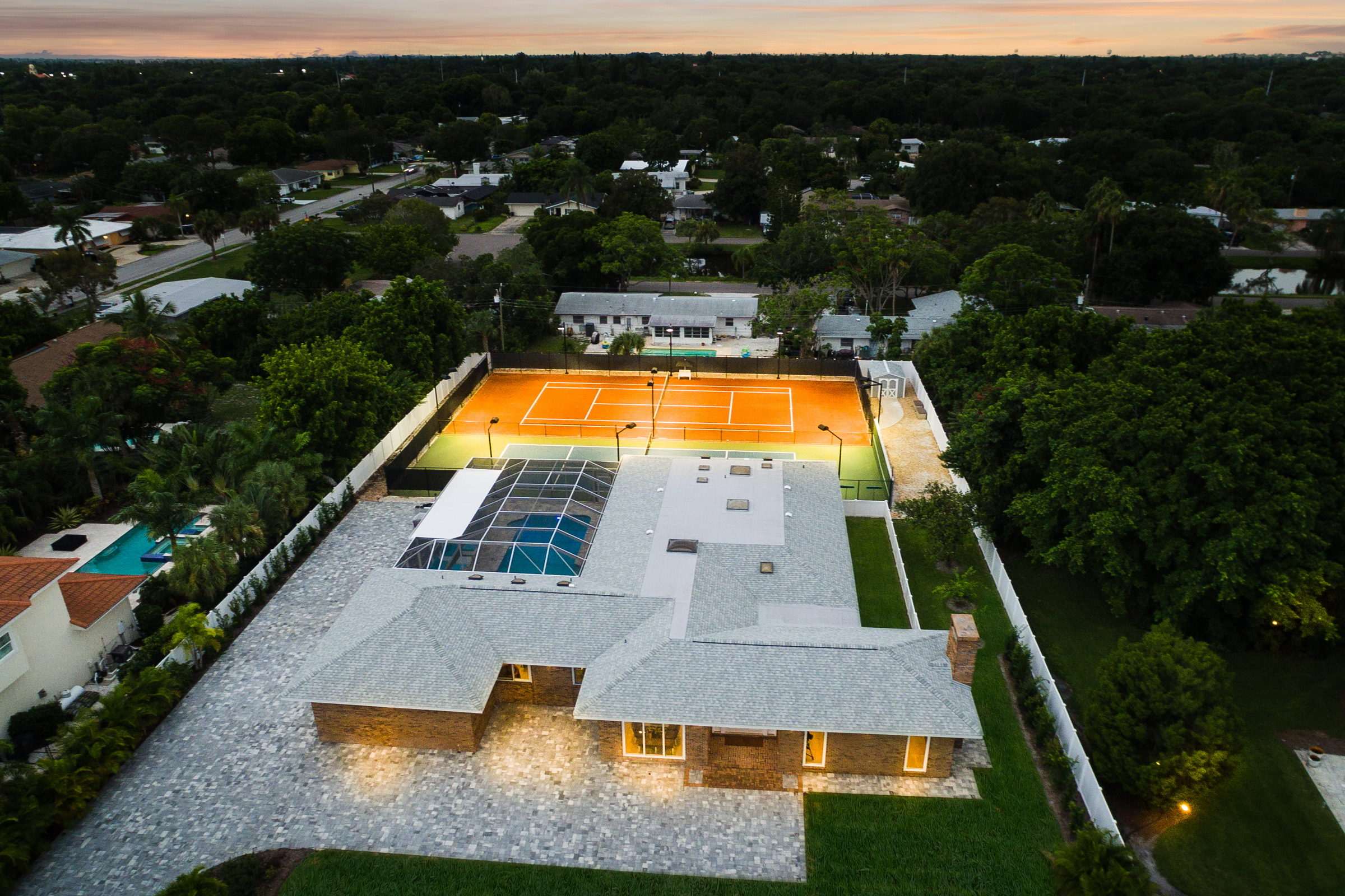 This Florida home boasts design and technology features that range from eco-friendly hardwood flooring throughout, to all new LED light fixtures.