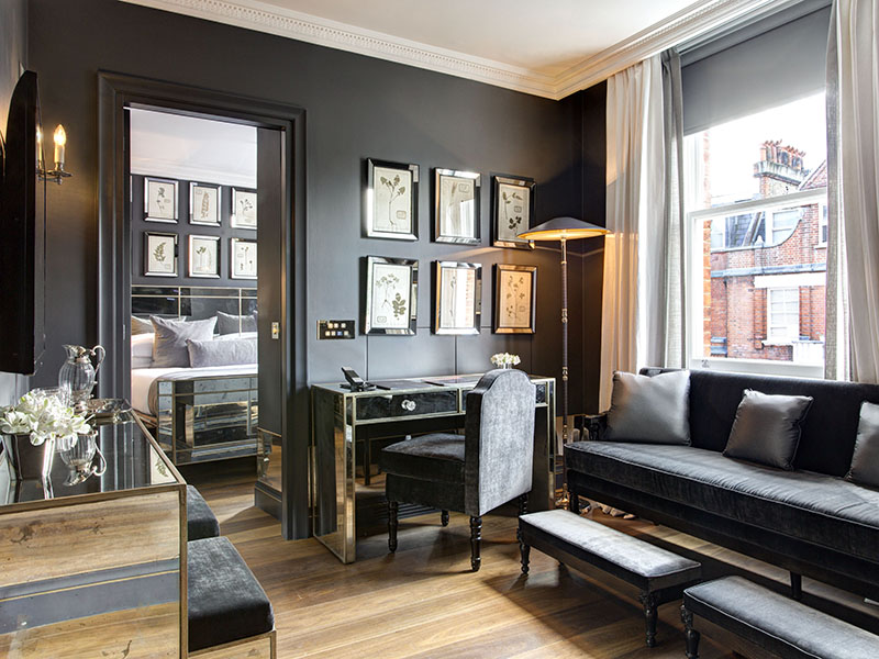 Old-world glamour and modern luxury combine in the tasteful bedroom suites of The Franklin Hotel in London. Situated in Knightsbridge, it's a great base for shopping at nearby high-end boutiques and stores.