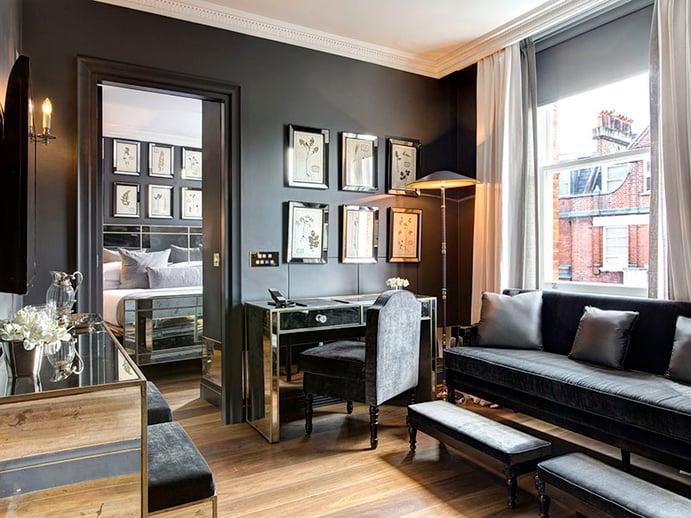 O glamour do velho mundo e o luxo moderno combinam-se nas suítes de bom gosto do The Franklin Hotel, em Londres.  Situado em Knightsbridge, é uma excelente base para fazer compras em boutiques e lojas sofisticadas nas proximidades.