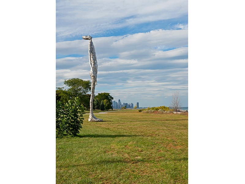 Tom Friedman's <i>Looking Up</i> (2015) sculpture on Chicago's South Side. Photograph: Copyright Sandra Steinbrecher, photographer, and Tom Friedman, artist. Courtesy Tom Friedman, Stephen Friedman Gallery, London, and Luhring Augustine, New York.