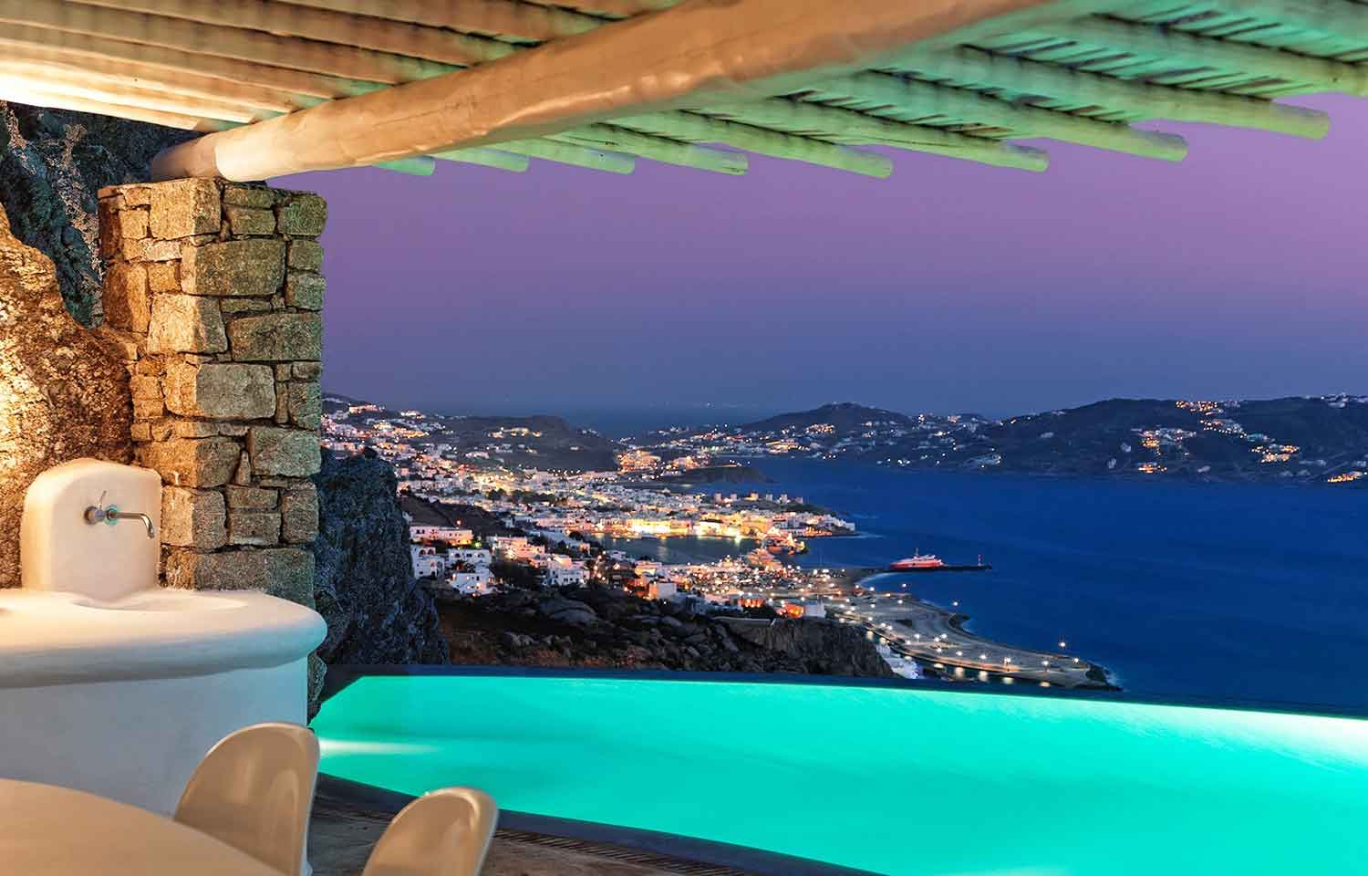 Sky Crest is a celebration of traditional and contemporary architecture; its enchanting name derives from the legendary views of the Aegean Sea and the sacred island of Delos.