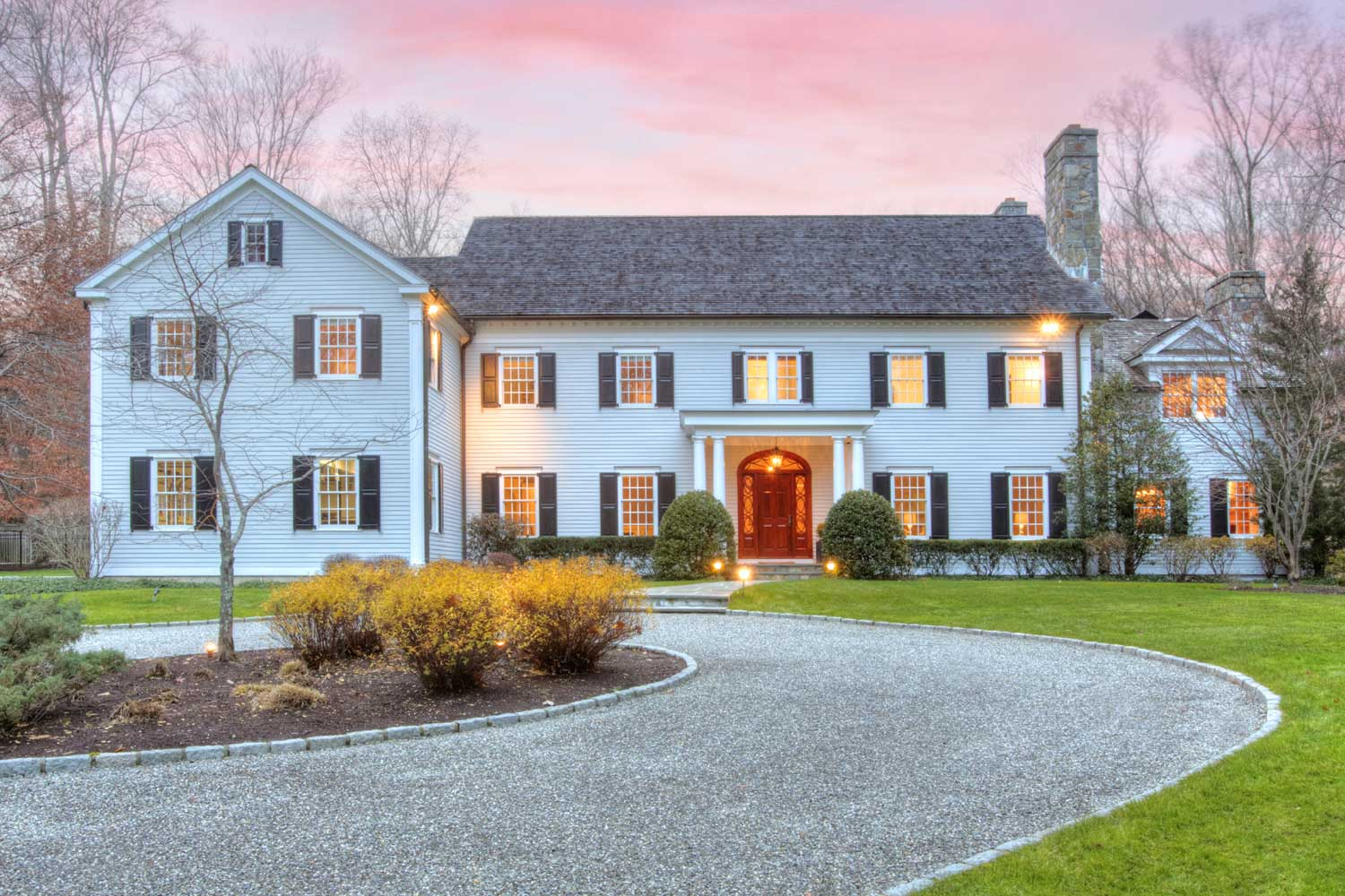 <b>Darien, Connecticut</b><br/><i>5 Bedrooms, 8,000 sq. ft.</i><br/>Five-bedroom Georgian-colonial home