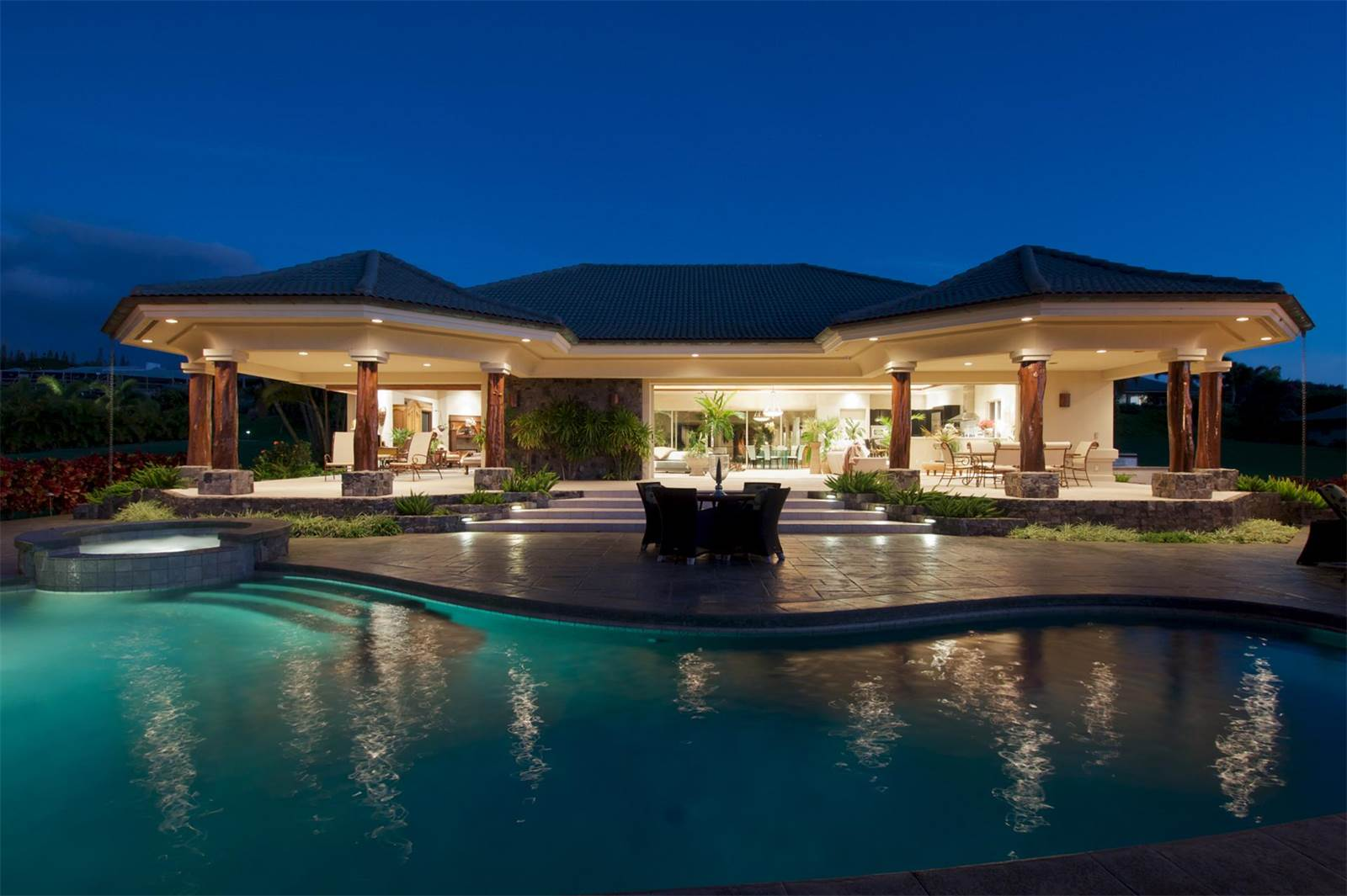 This tropical retreat in Maui's exclusive Kapalua Resort has exotic gardens both inside and out.