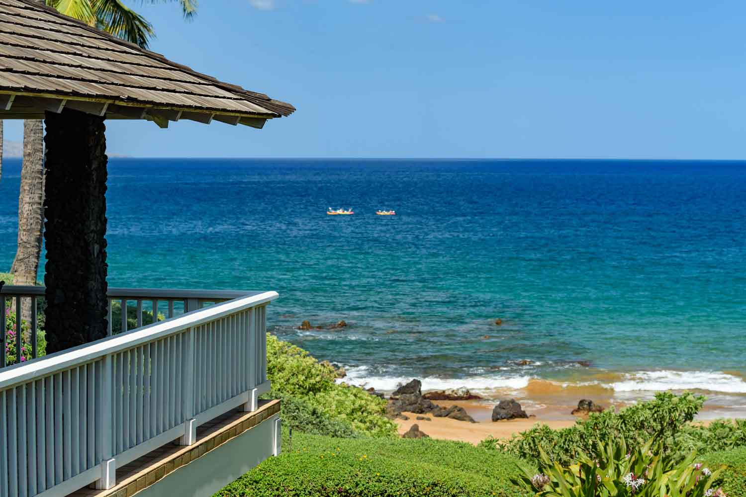 <b>Makena, Hawaii</b><br/><i>3 Bedrooms, 2,968 sq. ft.</i><br/>Beachfront home on Secret Beach
