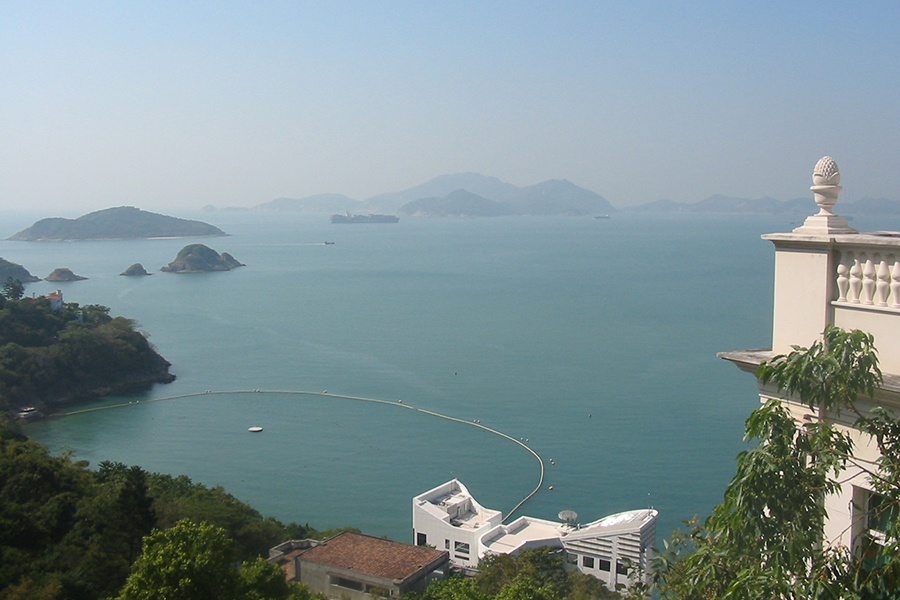 Overlooking Hong Kong's picturesque Repulse Bay, this four-bedroom estate is a showcase of carefully executed details.