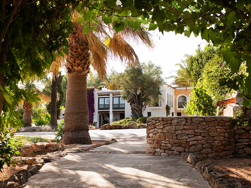 Nestled among pine forests, terraced orange groves, and lush gardens, Cas Gasi is a lovingly restored 19th-century <i>finca</i>.
