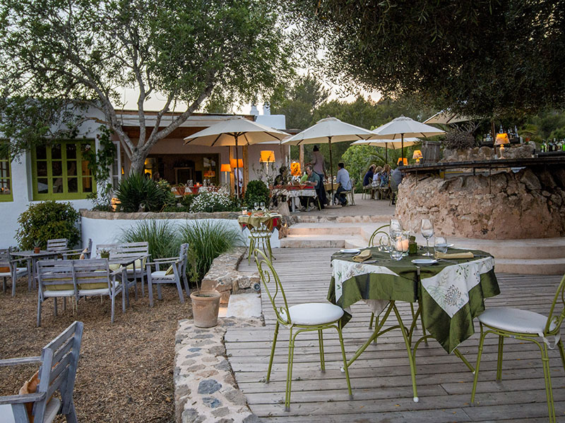 Foodie hotspot Ca'n Domingo de Ca'n Botja uses the finest local produce, and ingredients from its own garden, to create the spectacular Italian dishes on its menu.