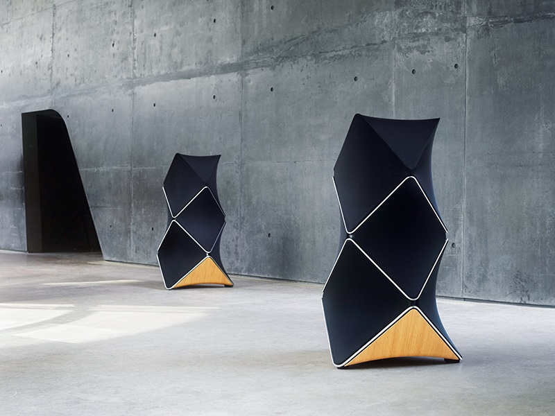 The BeoLab 90 is an intelligent loudspeaker that measures the acoustic effects of its surroundings to produce the best possible sound.