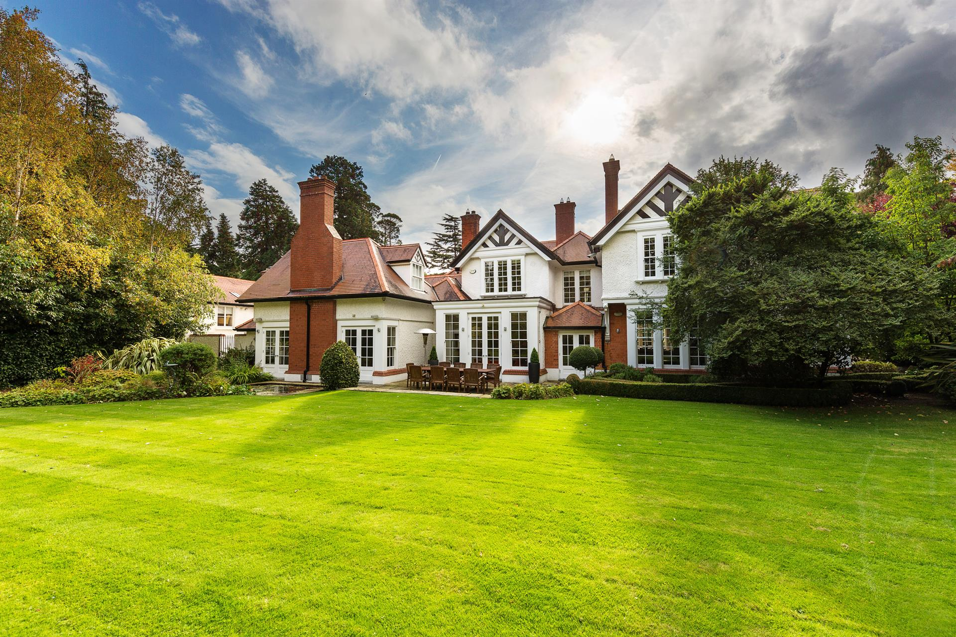 Kenure, an elegant Victorian house on an acre of formal gardens in Foxrock, Dublin, blends period architecture with advanced high-tech features, including an AMX Sound system throughout.