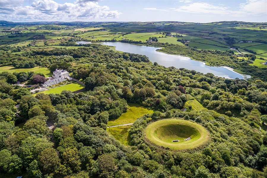 The spacious grounds, private lake, and world-famous Irish Sky Garden of this magnificent estate embrace the beauty of County Cork: earth, water, and sky.