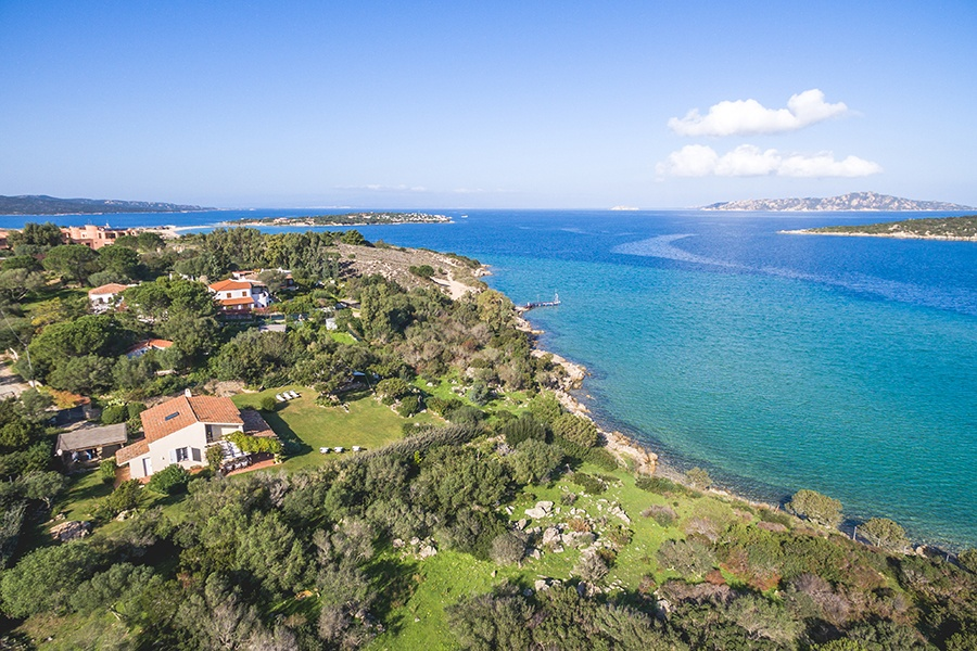 An oasis of tranquility, this Sardinian villa is close to the village of Porto Pollo with its restaurants and shops plus Isuledda Beach.
