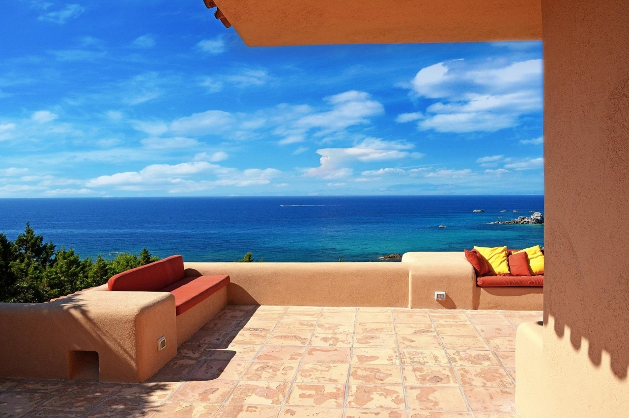 Set within an Italian resort, Villa Sea View was built with traditional materials that lend it an air of authenticity.