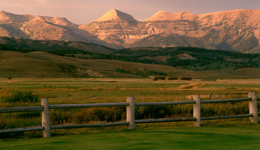 Near Jackson, Wyoming, Little Jennie Ranch is an iconic 3,011-acre working cattle ranch that is virtually unrivaled in its splendor and expansiveness.