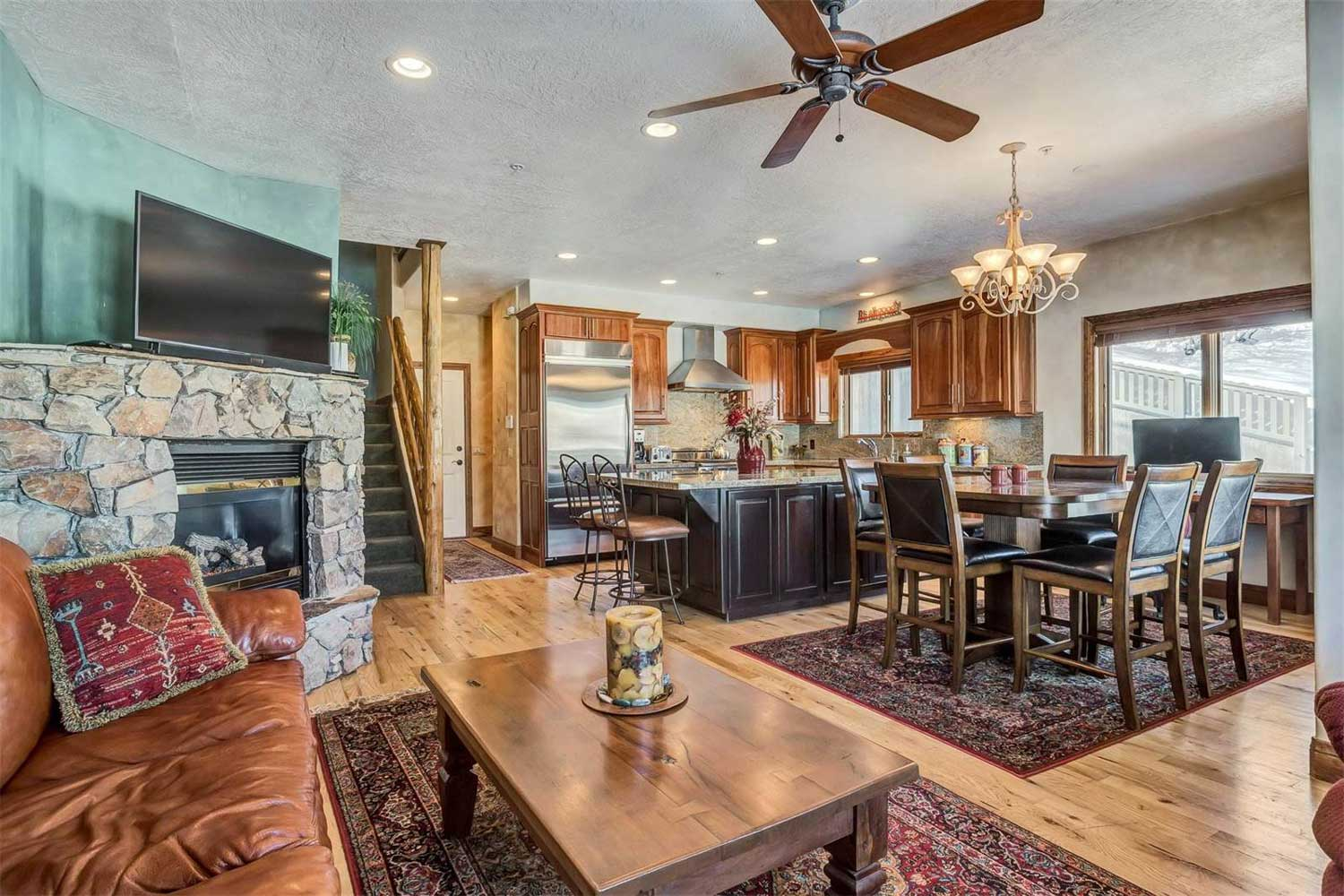 <b>Park City, Utah</b><br/><i>3 Bedrooms, 1,720sq. ft.</i><br/>Silver Pointe Townhouse